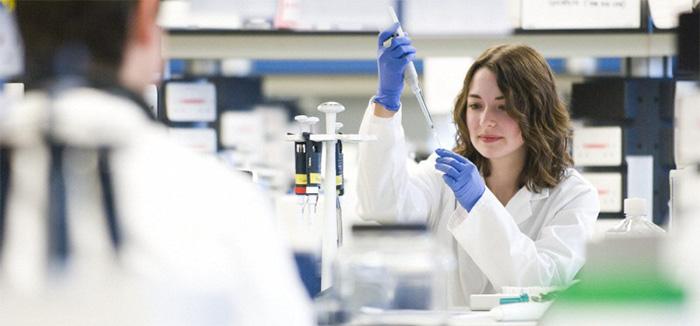 Image of scientist in Lab